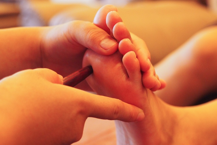 Reflexology-massage-service
